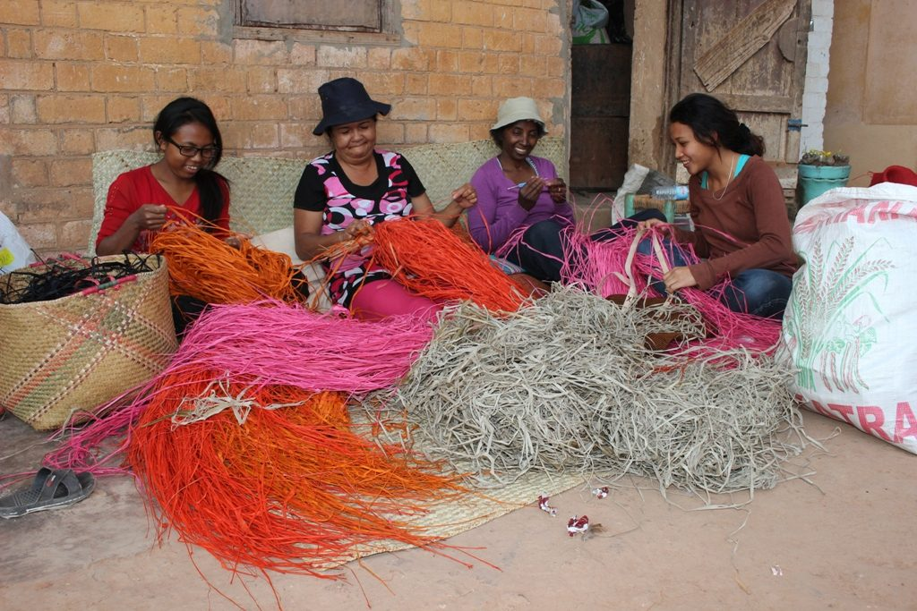 Artisans and the founder of Razafindrabe Collections